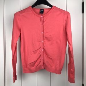 GAP medium knit long sleeve button up cardigan
